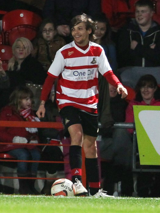 Louis_Tomlinson_Soccer_Game3
